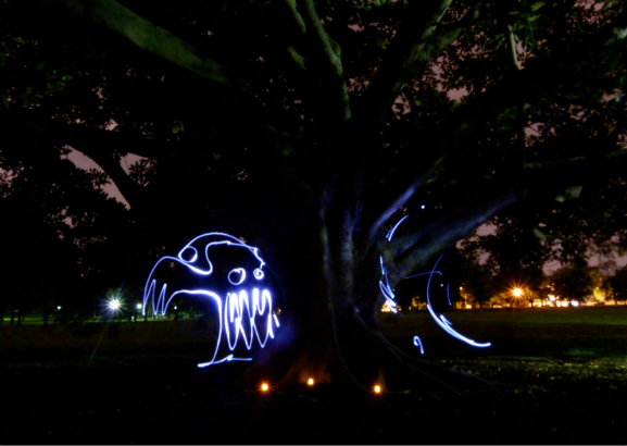 Peekaboo lightpainting photography